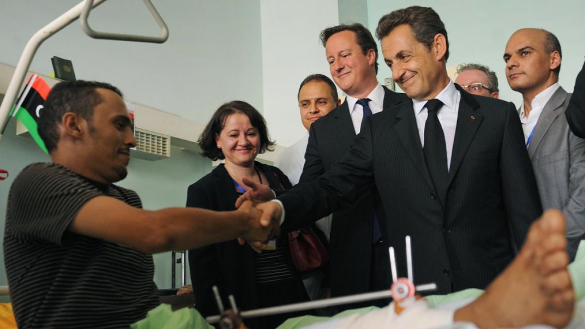 Cameron a Sarkozy na návštěvě Libye