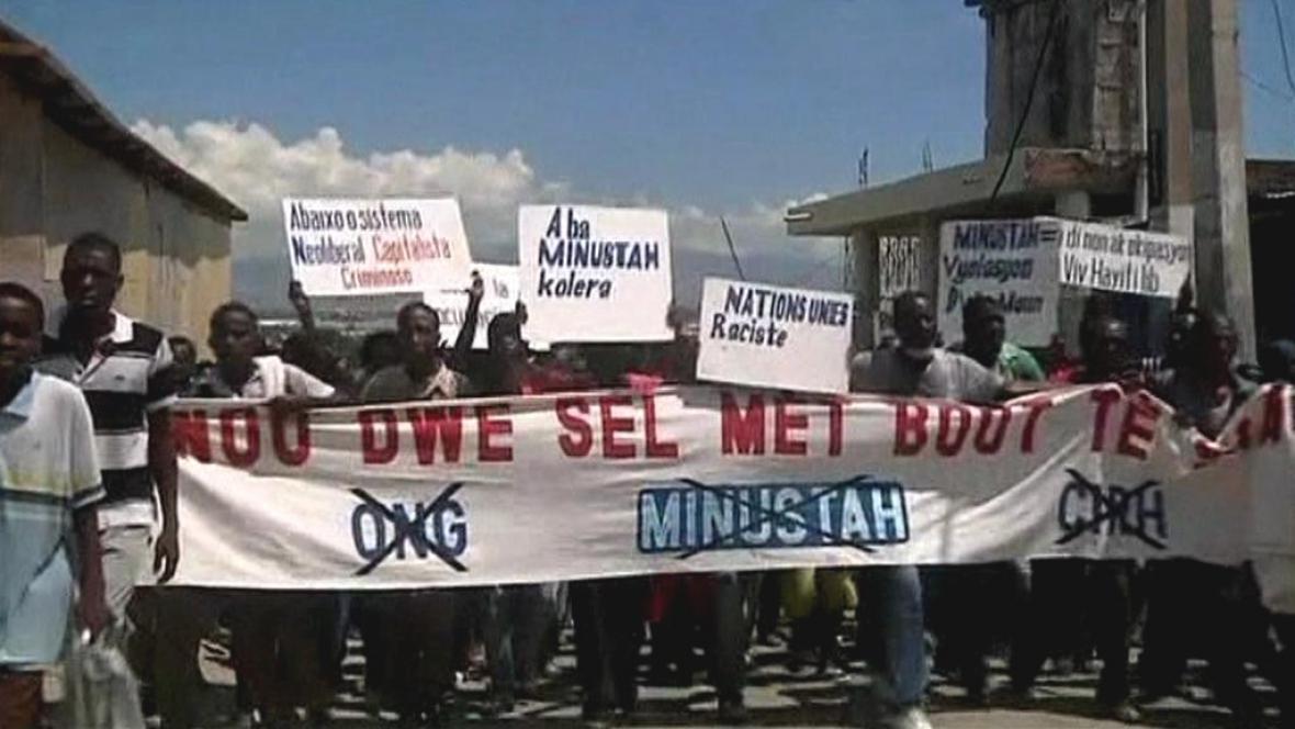 Haiťané požadují odchod jednotek OSN