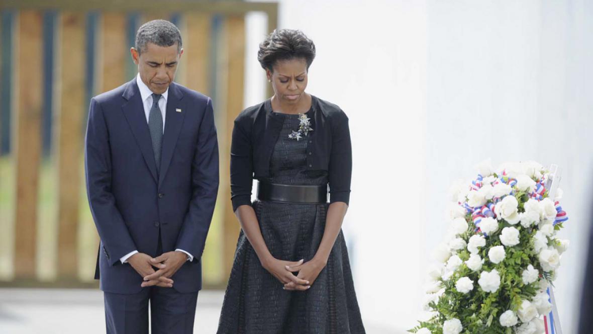 Barack Obama a jeho manželka Michelle při pietní vzpomínce na útoky z 11. září 2011