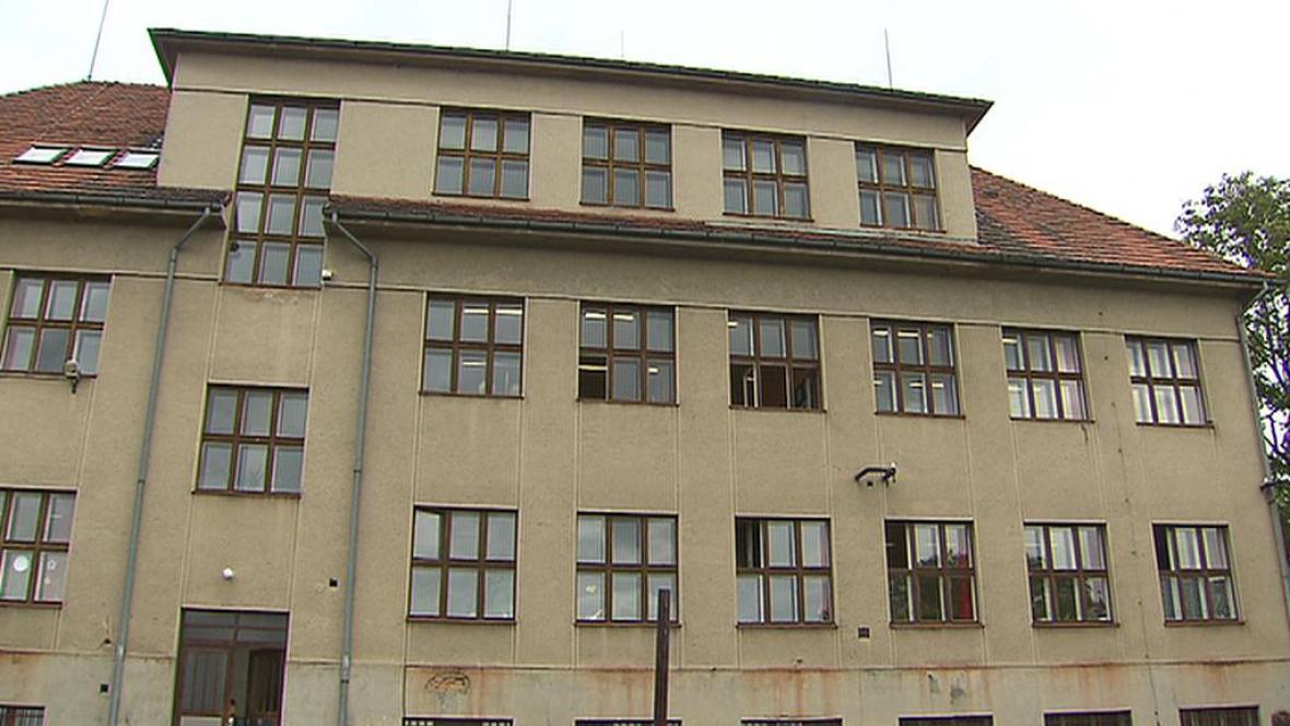 Škola v obci Pyšely