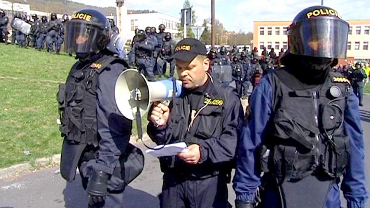 Policejní těžkooděnci
