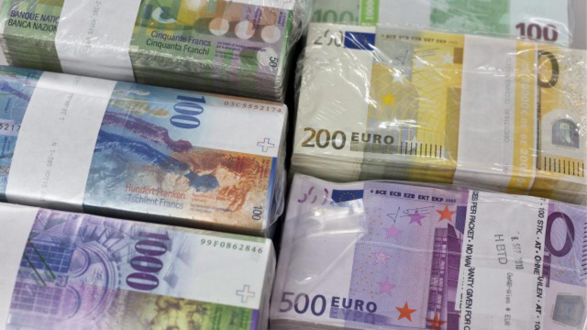 Eura a švýcarské franky