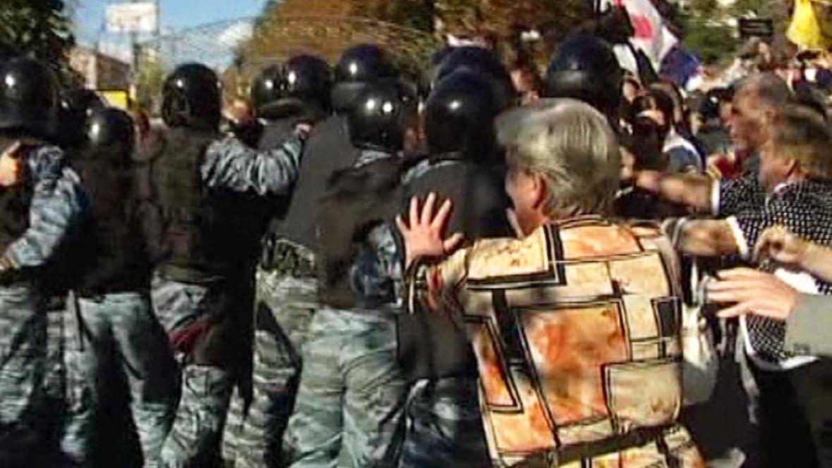 Ukrajinská policie rozehnala tábor stoupenců Tymošenkové