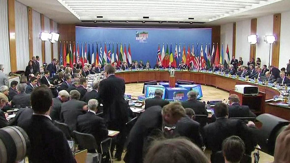 Schůzka ministrů NATO
