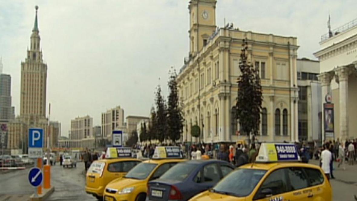 Taxíky v centru Moskvy