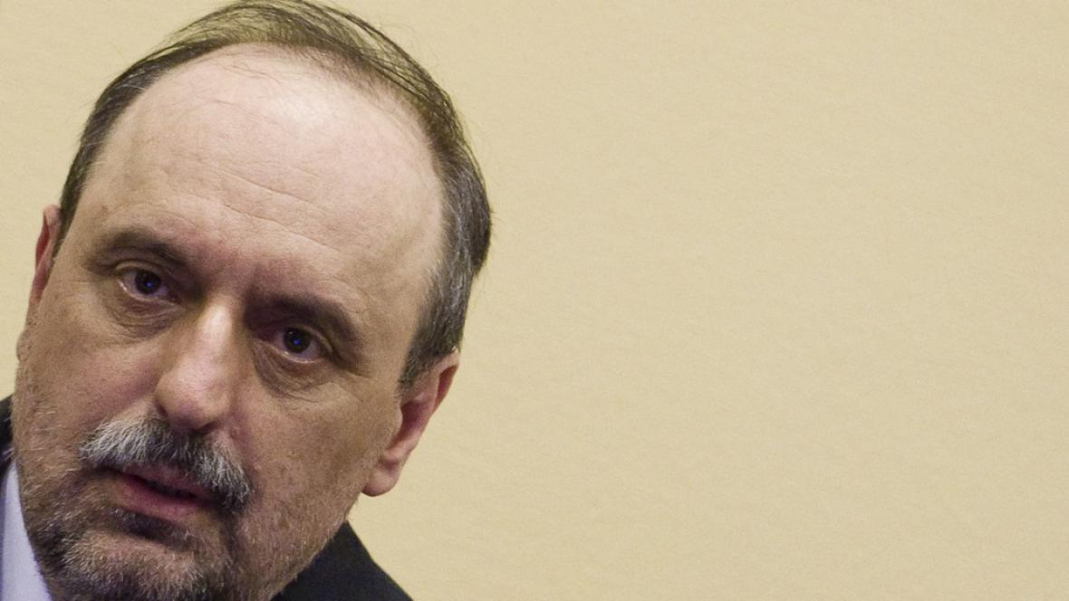 Goran Hadžić před tribunálem v Haagu