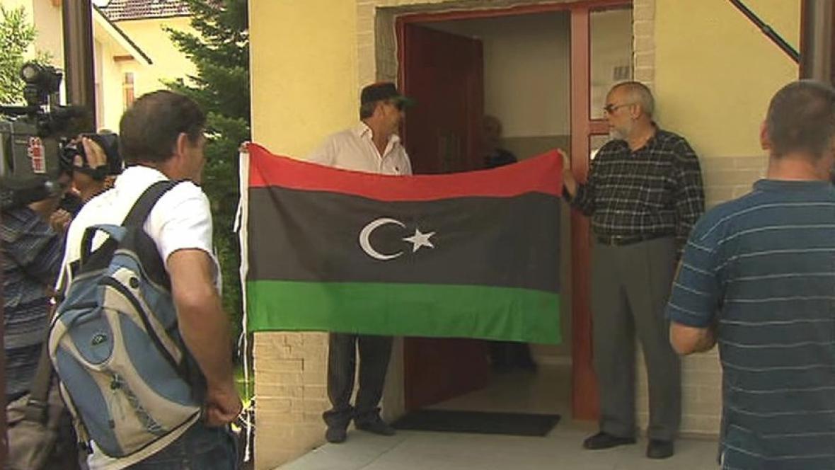 Vyvěšování libyjské vlajky