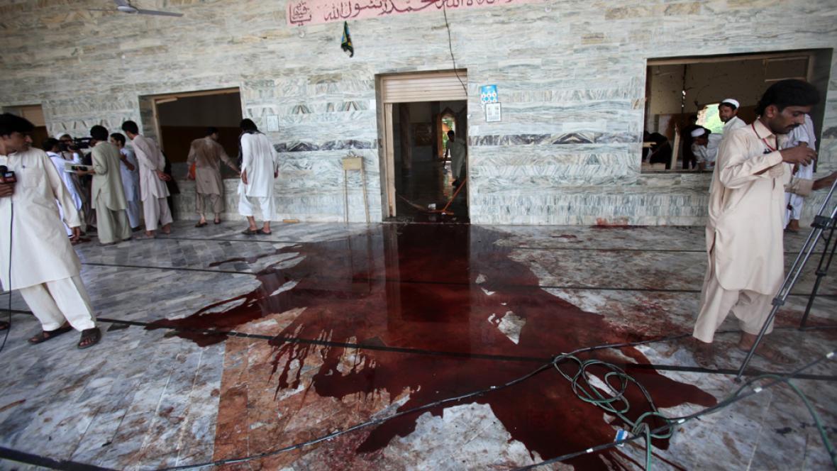 Výbuch v mešitě nepřežily čtyři desítky lidí