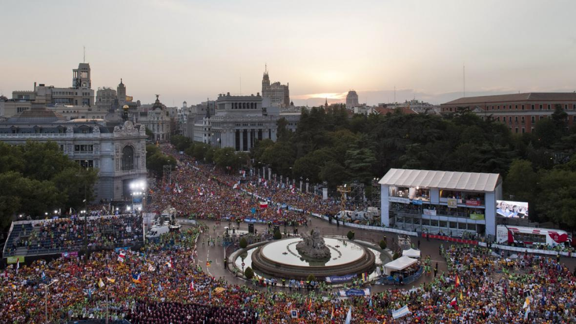 Papež přivítal mladé na světových dnech mládeže v Madridu