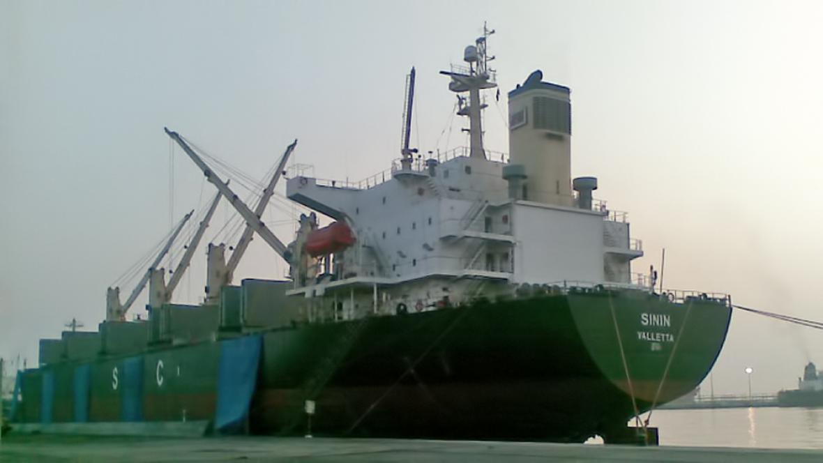Maltská nákladní loď MV Sinin