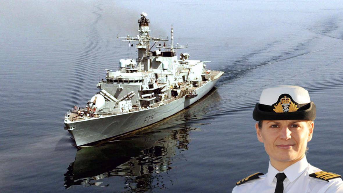 Britská válečná loď HMS Portland s novou velitelkou Sarah Westovou