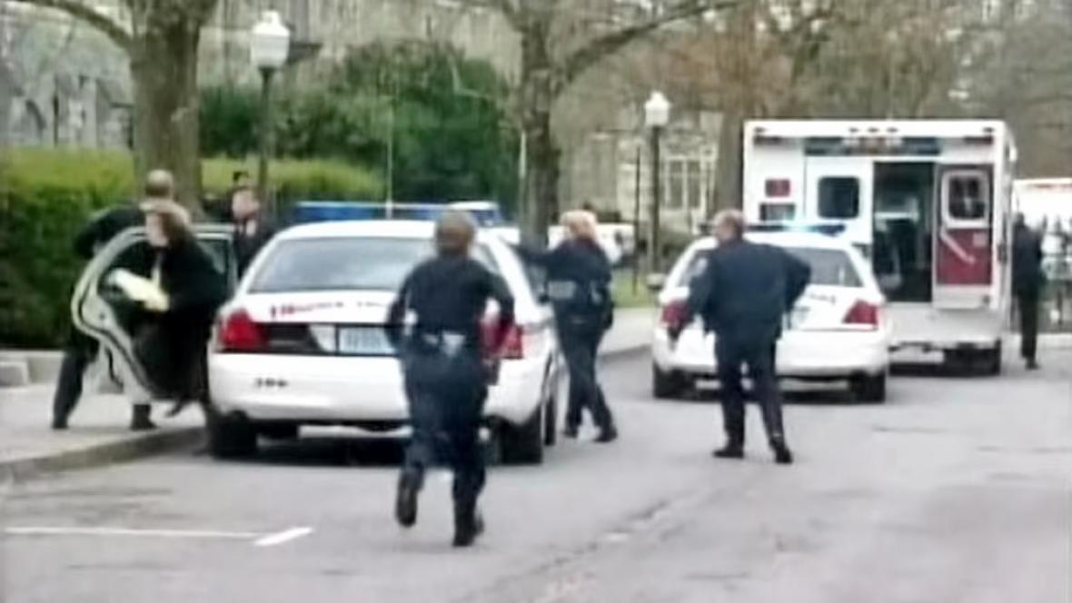 Policejní zásah v areálu virginské polytechniky