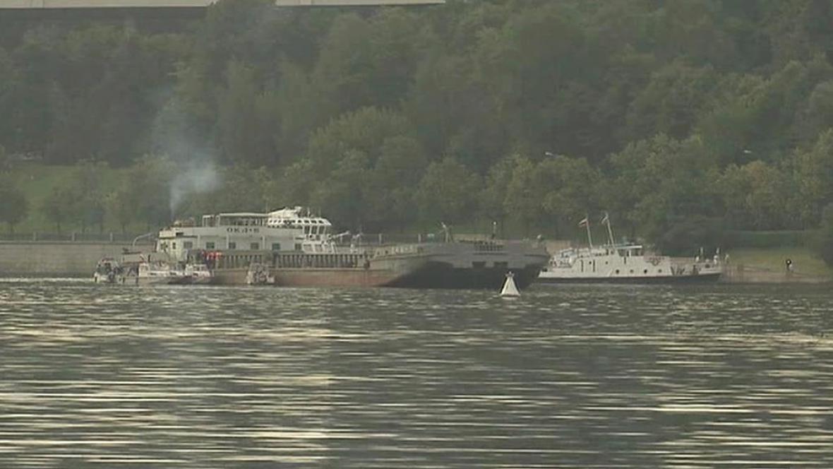 Srážka lodí na řece Moskvě