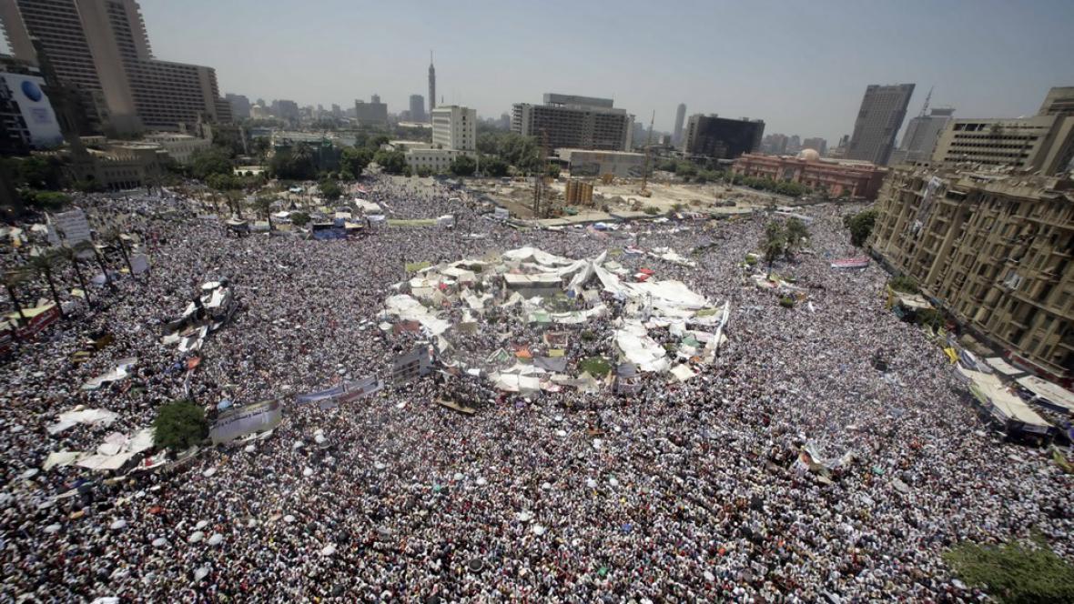 Egypťané znovu zaplnili náměstí Tahrír