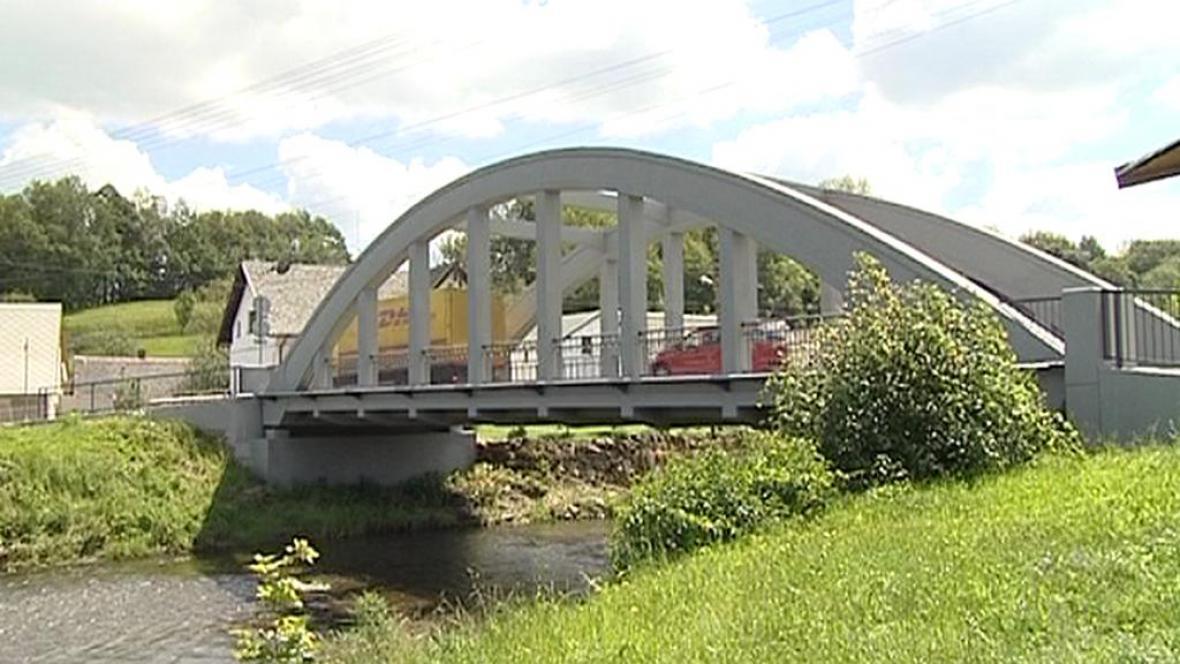 Silniční most