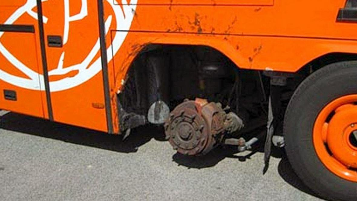 Nebezpečný český autobus