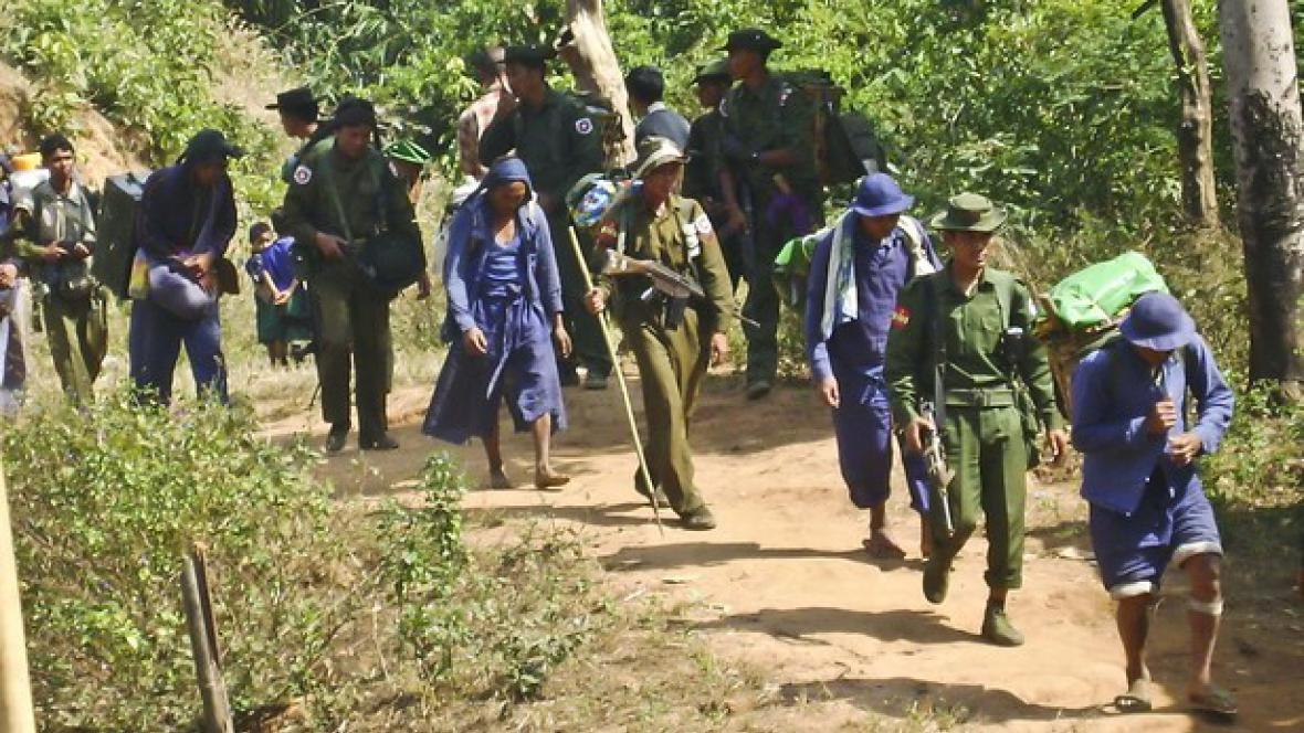 Barmská armády využívá vězně