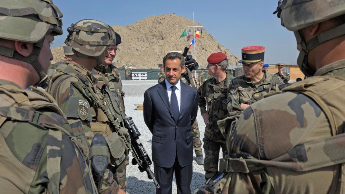 Nicolas Sarkozy u francouzských vojáků v Afghánistánu