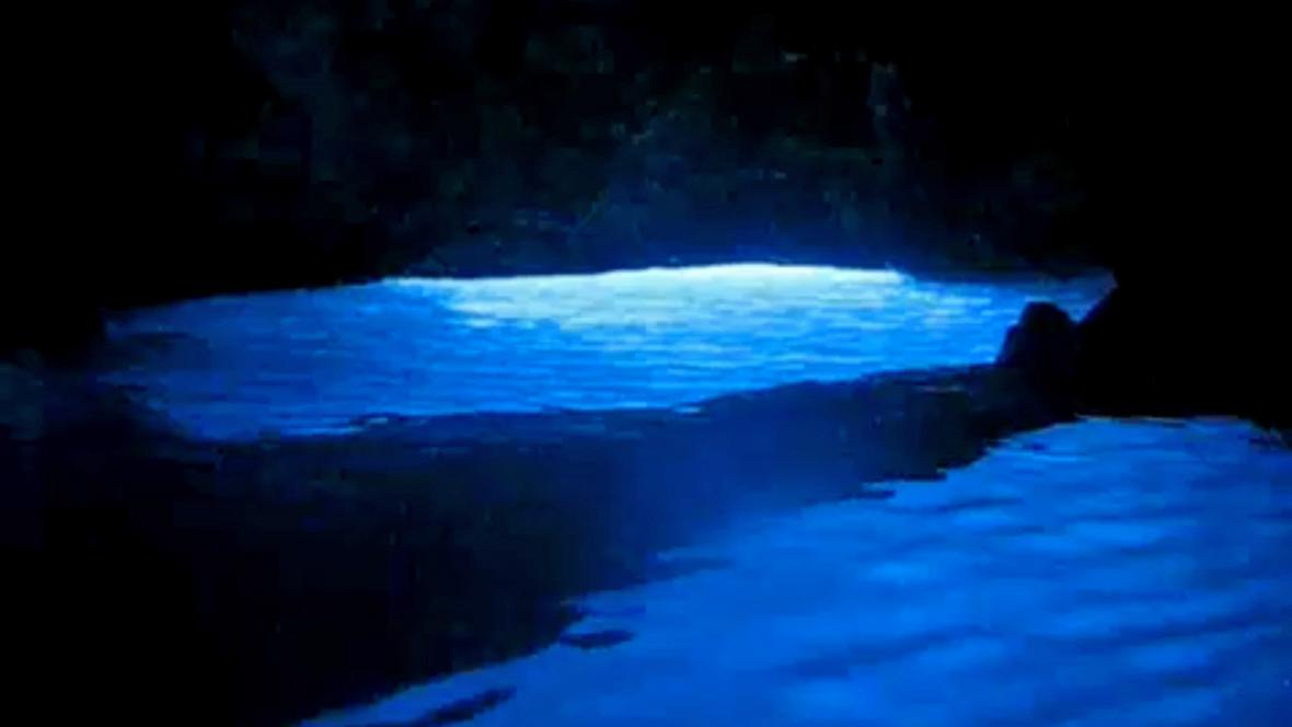 Modrá jeskyně na ostrově Biševo