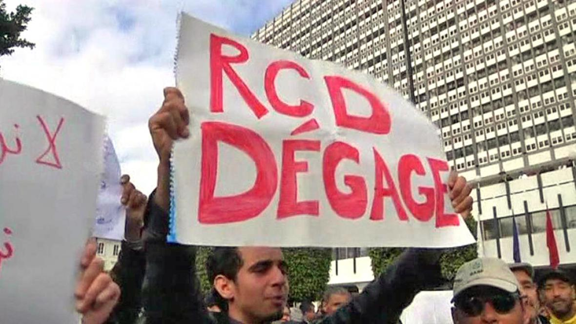 Tunisane protestují proti straně RCD