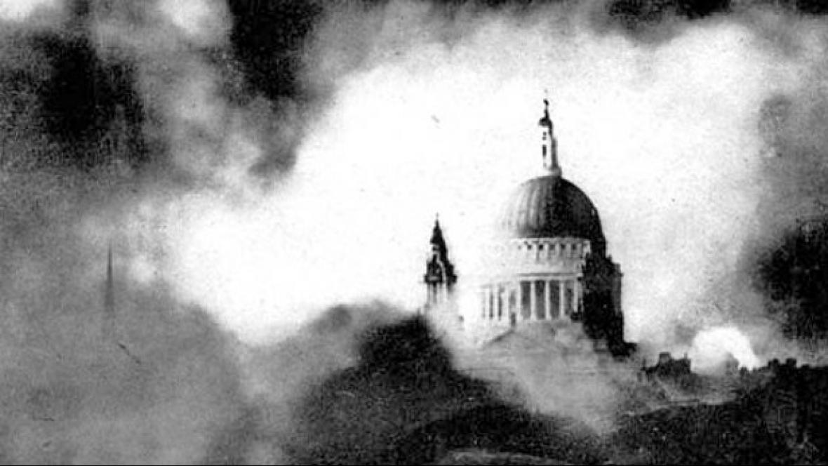 Katedrála sv. Pavla na fotografii Herberta Masona