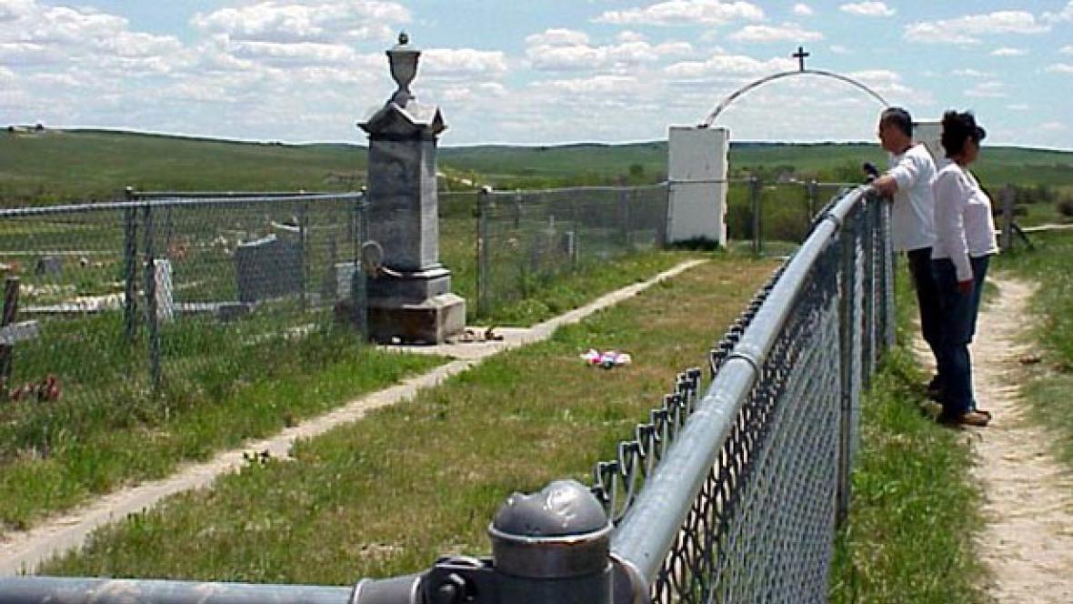 Památník, který připomíná masakr u Wounded Knee