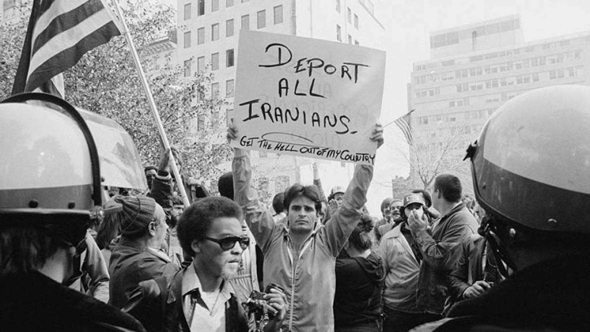 Demonstrace ve Washingtonu za propuštění rukojmí v Íránu