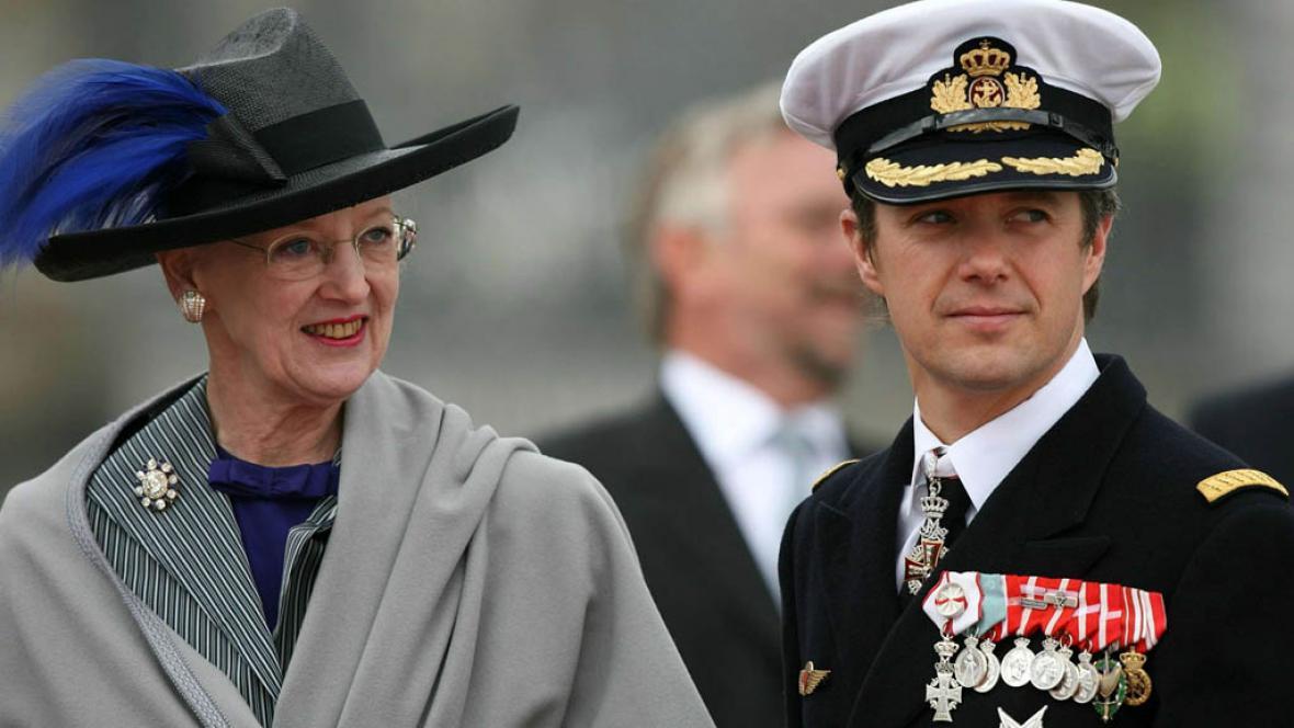 Královna Margrethe II. a korunní princ Frederik