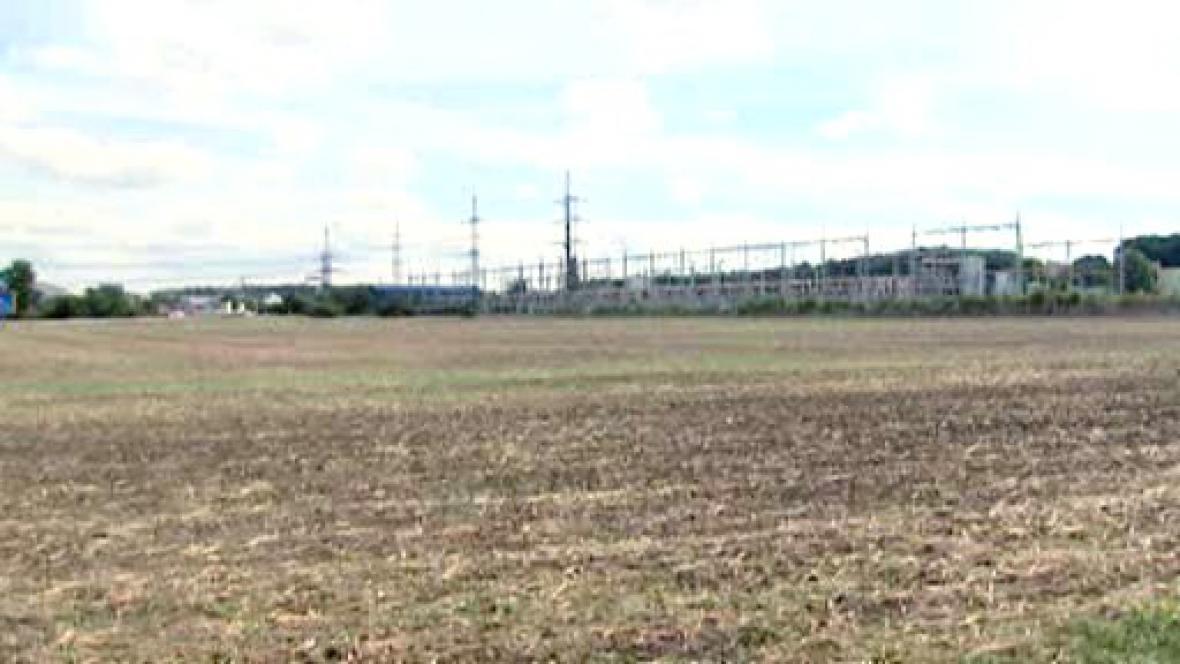 Lokalita, kde by měla stát elektrárna