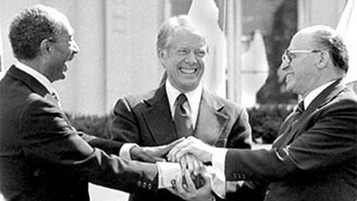 Představitelé egyptsko-izraelské mírové smlouvy