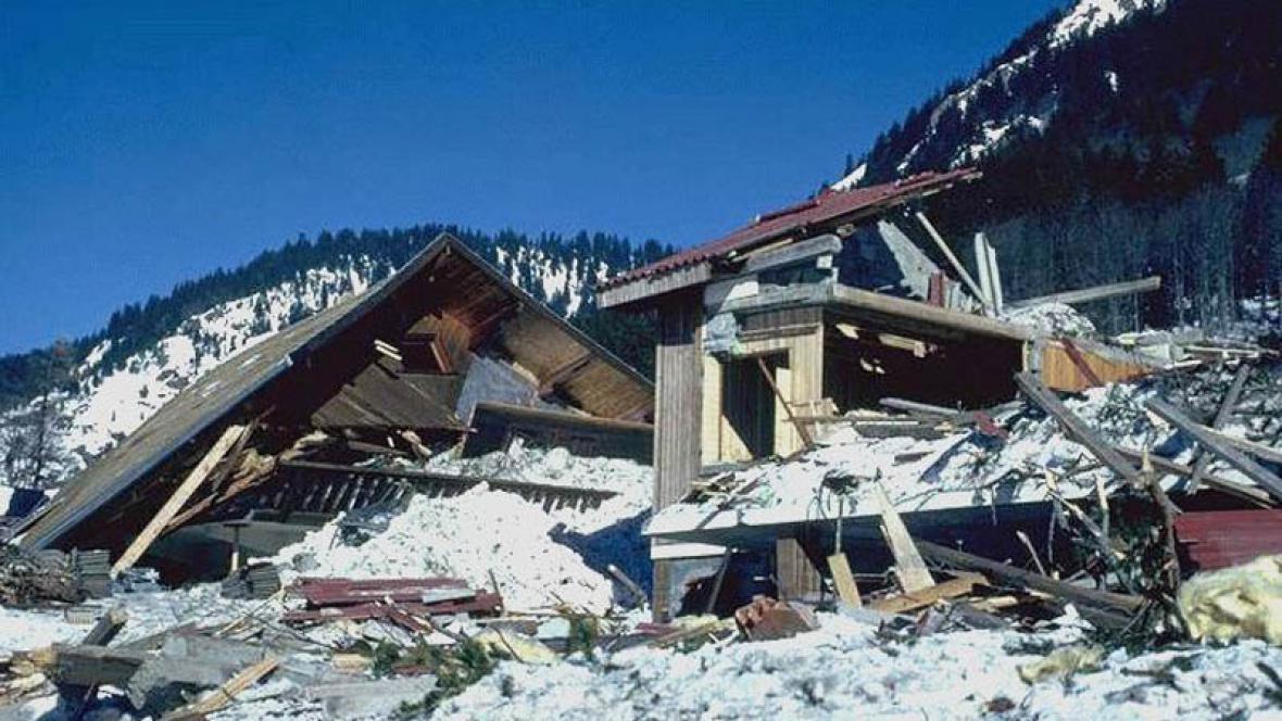 Následky ničivé laviny v Galtur