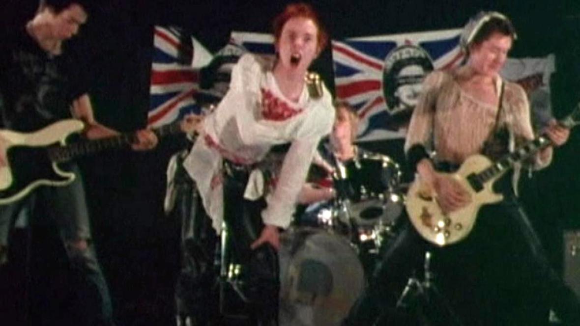 Sex Pistols při premiéře písně God Save the Queen