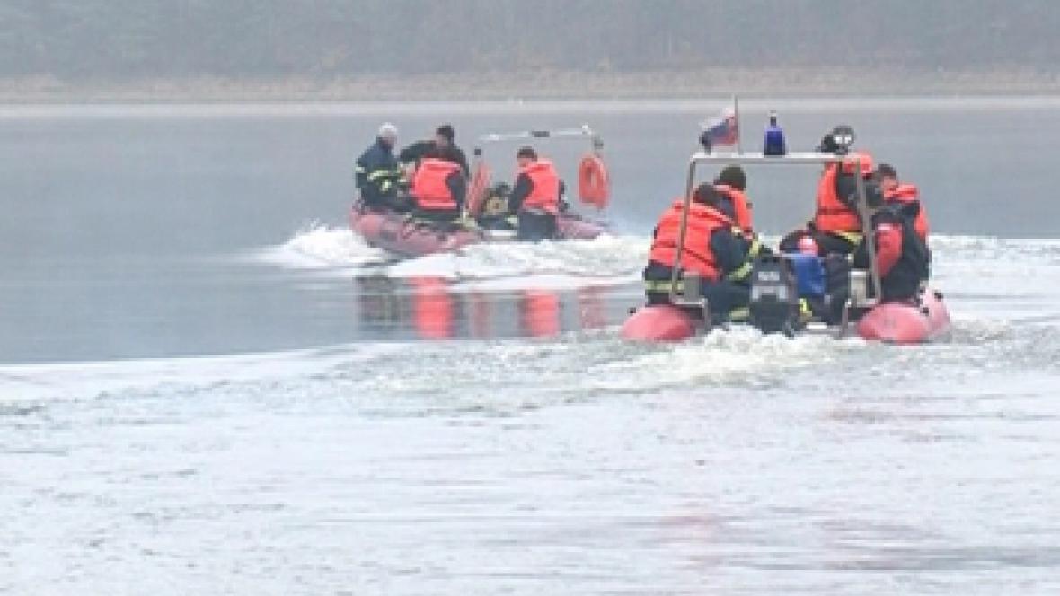 Záchranáři pátrají po českém rybáři