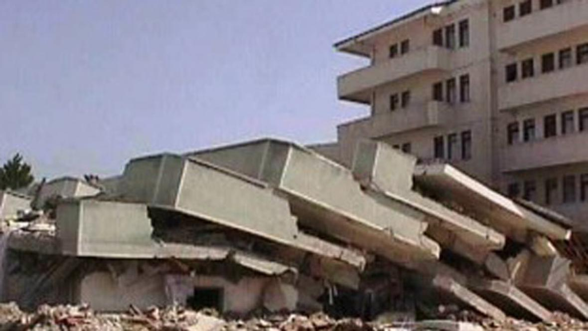 Zemětřesení v Izmitu