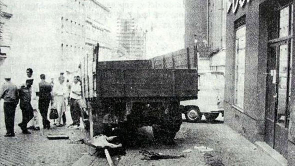 Olga Hepnarová najela na tramvajový ostrůvek v roce 1973
