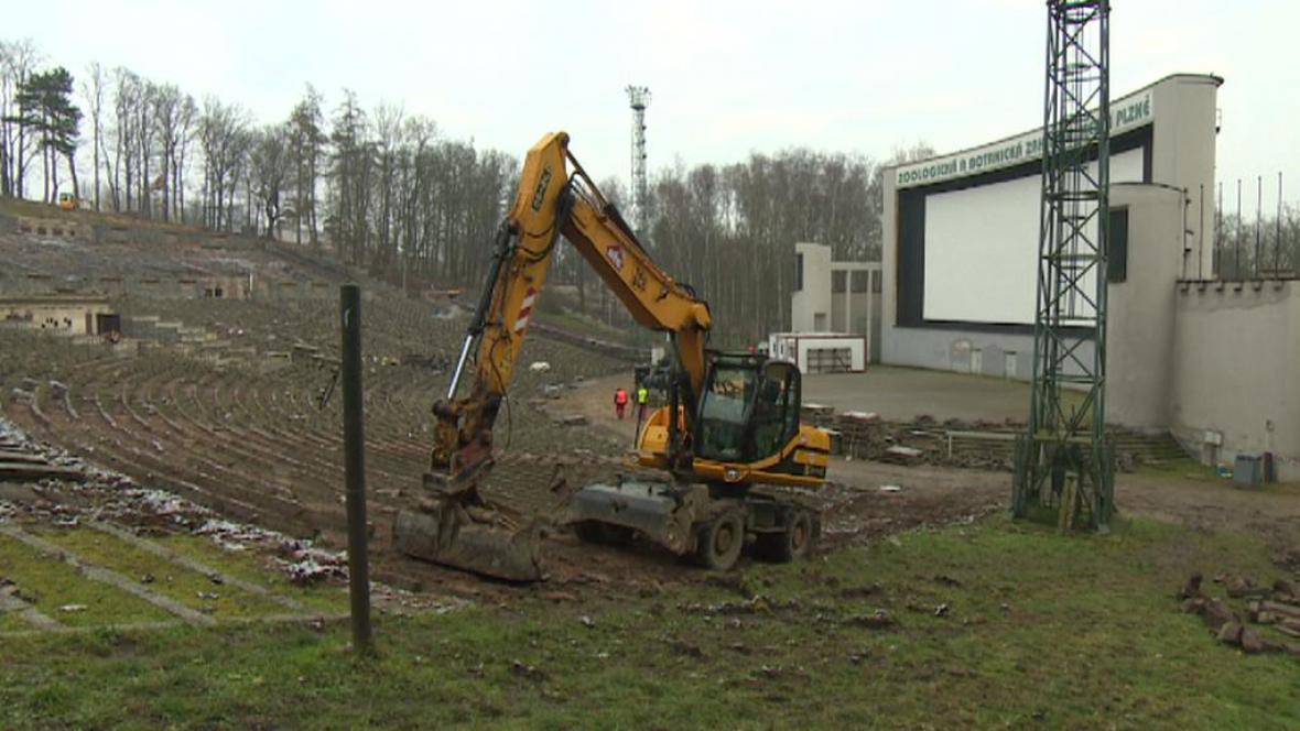 Oprava areálu na Lochotíně