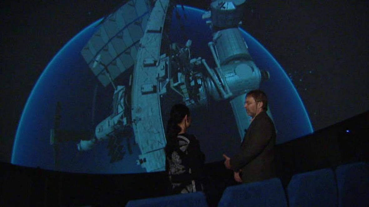 Projekce ISS v digitálním planetáriu v Hradci Králové