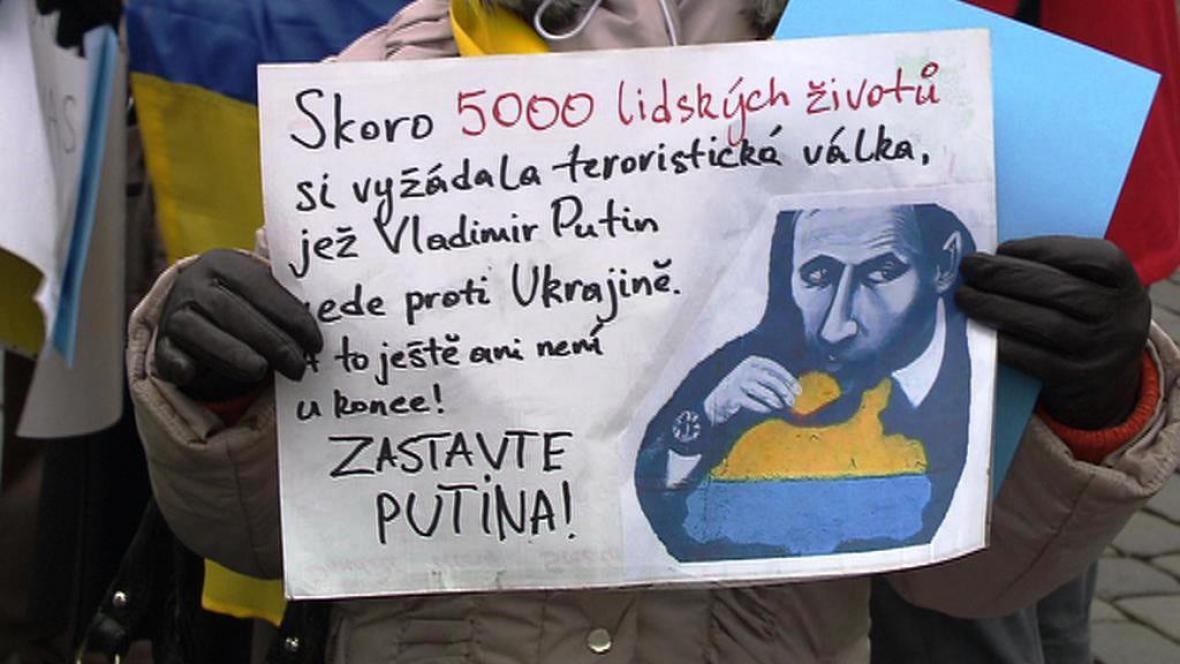 Protiputinovská demonstrace na Staroměstském náměstí
