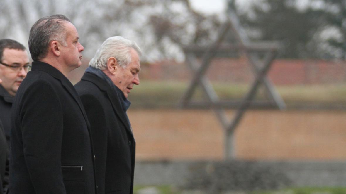 Miloš Zeman se slovenským prezidentem při návštěvě Terezína
