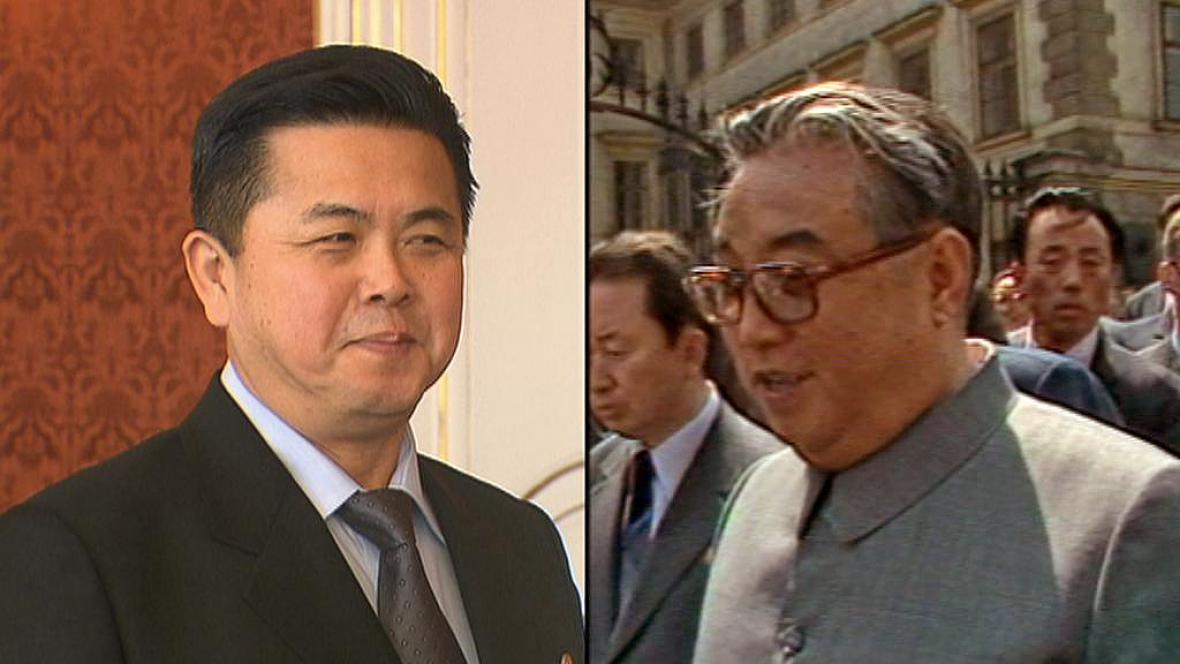 Kim Pchjong-il je svému otci Kim Ir-senovi velmi podobný