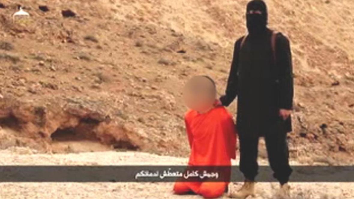 Záběr z videa vraždy Kendži Gotoa