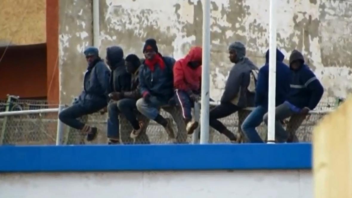 Afričtí uprchlíci v Melille