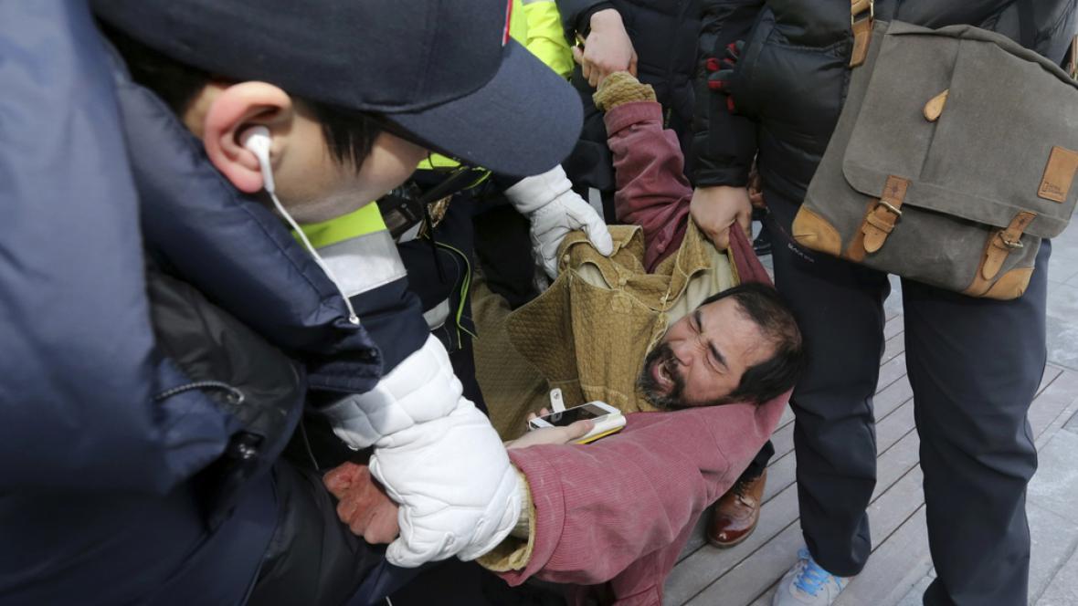 Policie zadržela podezřelého Kim Ki-Čonga