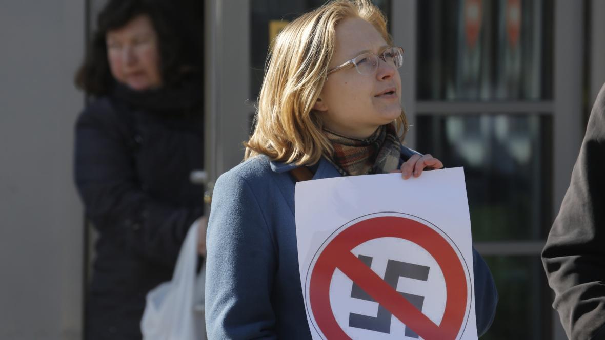 Některé z demonstrantů ruská policie zatkla