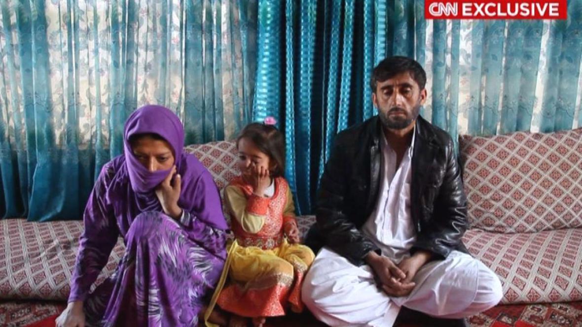 Afghánka Gulnaz s rodinou