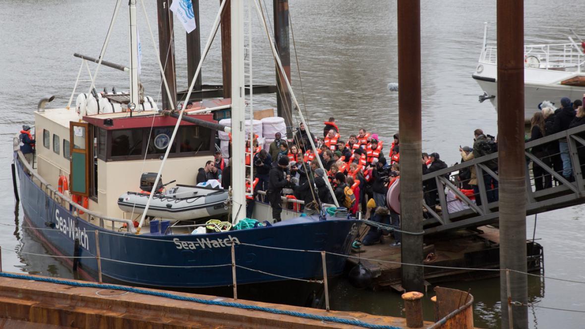 Loď projektu Sea Watch, který má pomáhat se záchranou uprchlíků na moři