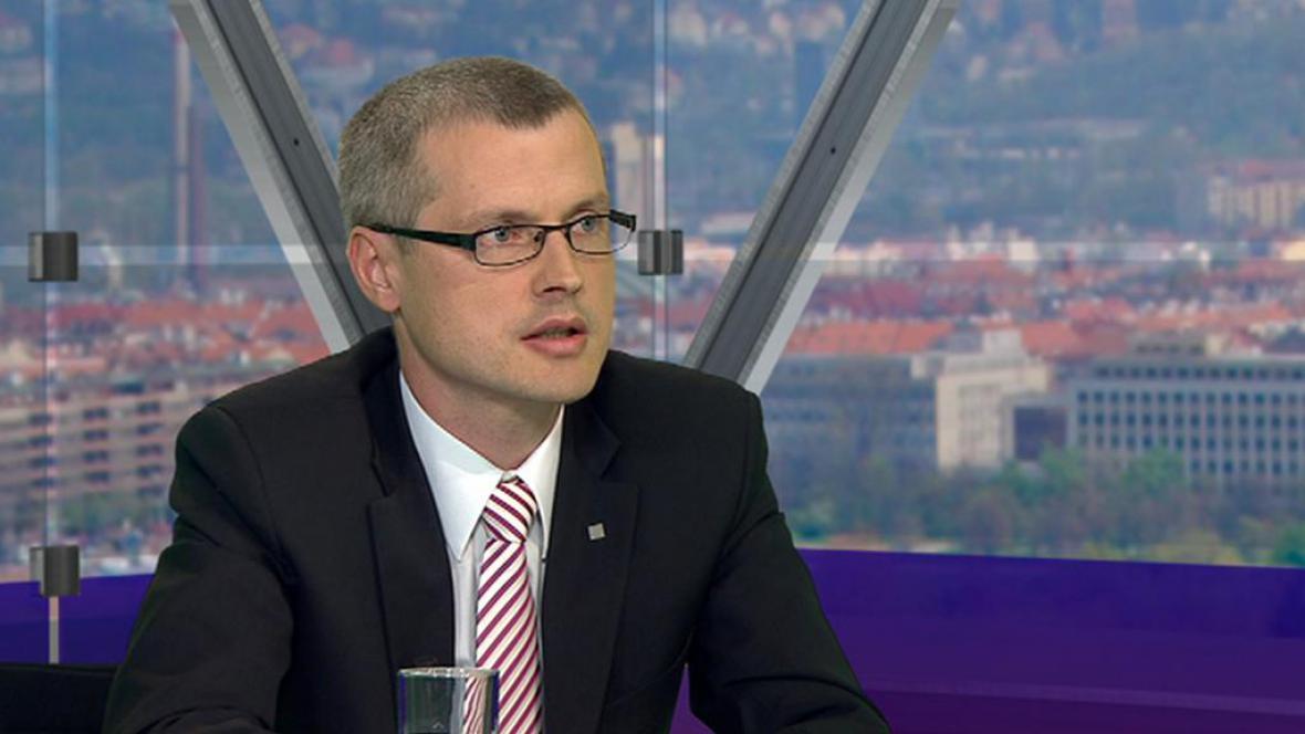 Viceguvernér ČNB Vladimír Tomšík v Otázkách Václava Moravce