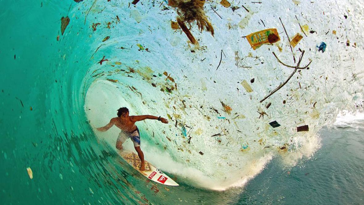 U nejlidnatějšího ostrova Indonésie - Jávy. Před dopady lidské populace lze uniknout málokde