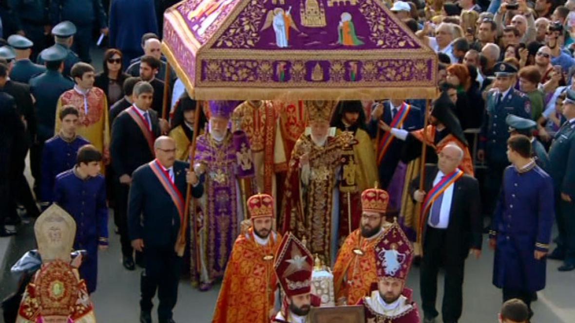 V Arménii svatořečili 1,5 milionu obětí genocidy