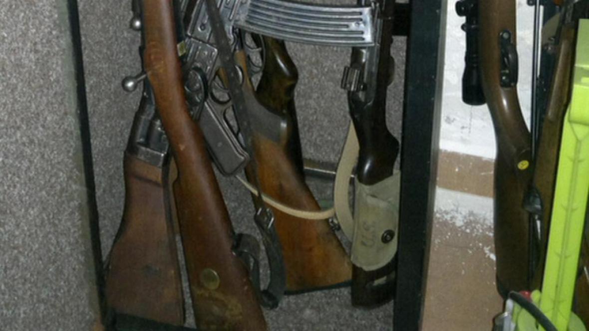 Zbraně nalezené u muže z Trutnova